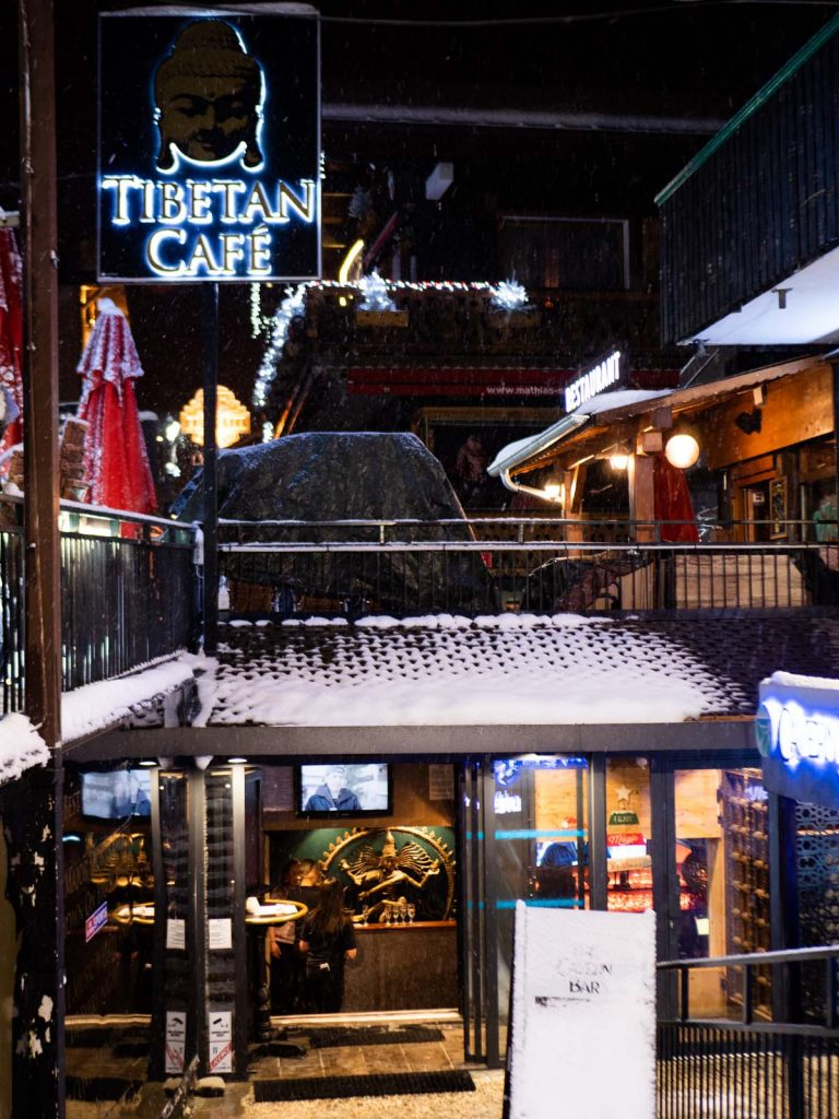 Tibetan café Morzine - live music - sports bar